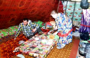 Besuch bei einer Nomadenfamilie in Sibirien